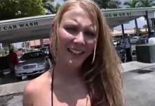 Rozkošná 18 ročná lolitka vymení brigádu na benzínke za točenie porna