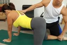 Sexy milf-ka Tara Holiday podľahne kúzlu kondičného trénera