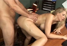 Pornokalendár (Albert 8 4) – Kancelárske porno s manažérkou Juliou Ann (HD porno)