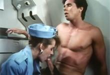 Orgie s letuškami v lietadle – retro porno