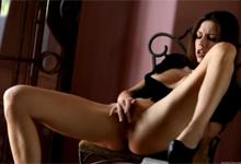 Vzrušujúca masturbácia českej krásky Eufrat (HD porno)