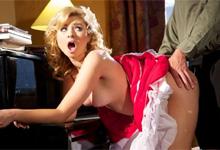 Neposlušná dcérka Molly Bennett podrží učiteľovi klavíru (HD porno)
