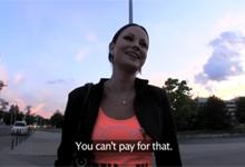 Český Public Agent zbalí na ulici profesionálnu pornoherečku (HD porno)
