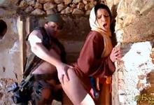 Spojenecký vojak jebe arabskú ženu