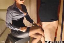 Ryšavá domina uspokojí penis otroka