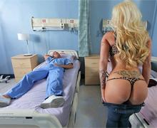 Primár jebe recepčnú nemocnice Candy Mason (HD porno)