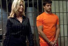 BDSM vo väzení, alebo trestanec brutálne znásilní advokátku Simone Sonay