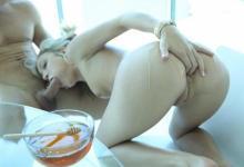 Dakota Skye a Johnny Castle Sladký romantický sex s medom