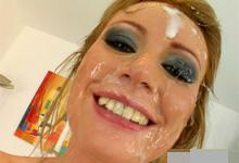 Divoká bukkake party, alebo rozkošná babenka Kate fajčí jeden penis za druhým!
