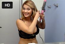 Sladká 20ročná študentka Jennifer si nechá na castingu postriekať tvár!
