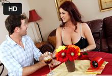Tiffany Mynx a James Deen Prvé rande končí tvrdou jebačkou v reštaurácii