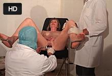 Zvrhlé orgie v ordinácii, alebo fisting a gang bang s pacientkou!