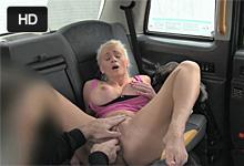 Fínska turistka trtká s londýnskym taxikárom za bezplatnú jazdu!