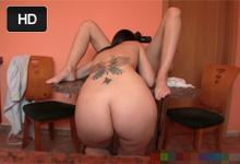 Pornokalendár (Galina 35) – Česká lesbička Eufrat si natáča domáce porno s priateľkou