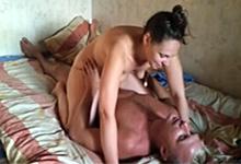 Pornokalendár (Monika 75) – Domáca súlož amatérskeho páru