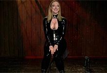 Americká pornostar Darling zviazaná a mučená zvrhlou dominou – BDSM porno