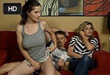 Zvrhlá americká rodinka, alebo otčim šuká s nevlastnou dcérou (Molly Jane)