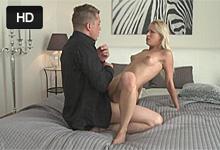Pornokalendár (Stela 310) – Mladá mamina Uma Zex nežne jebe s manželom Martinom – české porno