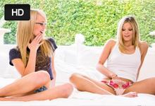 Teenagerky rozpáli lesbické porno (Scarlet Red a Sierra Nevadah)