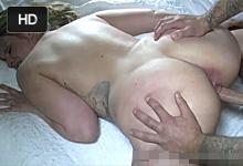 Plnoštíhla amatérka si užíva neverný análny sex pred kamerou!