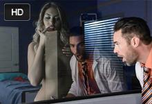 Doktor vyšuká krásnu pacientku nakazenú záhadným sexuálnym vírusom (August Ames)