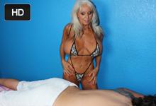 Handjob za príplatok, alebo 62ročná masérka Sally D'Angelo vyhoní péro klienta!