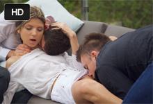 Ruska Gina Gerson Vášnivá skupinová trtkačka na terase