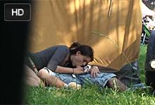 Skrytá kamera natočí dvojicu šukajúcu na letnom festivale