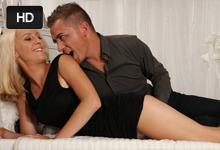 Posteľová romantika českého páru, alebo blondínka Nela Angel a Martin Q v nežnej súloži!