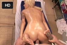 Jebačka na masáži, alebo roztlieskavačka Emma Mae a masér Evan Stone