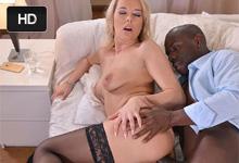 Nikky Dream Černošský doktor vylieči blonďavú dámičku nezabudnuteľným sexom!