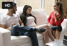 Necudná americká profesorka zvedie na grupáč študentský pár! (Cassidy Klein a Megan Sage)