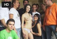 Skupina mužov trtká slovenská krásku, alebo Lucianna Karel v gang bangu!