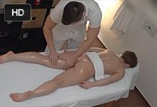 Ruská pornostar Sasha Zima vytrtkaná v českom masážnom salóne!