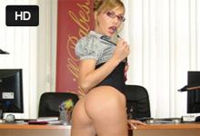 Sex na pohovore, alebo Jennifer Love si vyšuká miesto sekretárky!