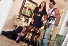Neverná žena boháča trtká v kuchyni so svalnatým južanským opravárom! (Sheena Ryder a Marco Banderas)