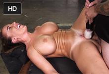 Richelle Ryan Unesená, mučená a podrobená drsnému sexu! – BDSM porno