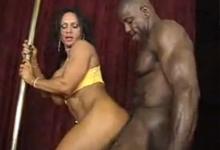 čierne dievčatá majúce sex YouTube
