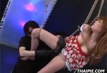 Ázijské zviazané porno