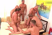 Tanner Mayes lesbické porno